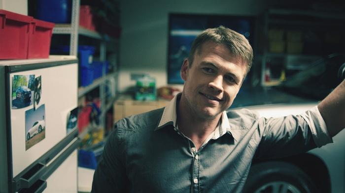 Jason (Luke Hemsworth) offers a deal in The Reckoning
