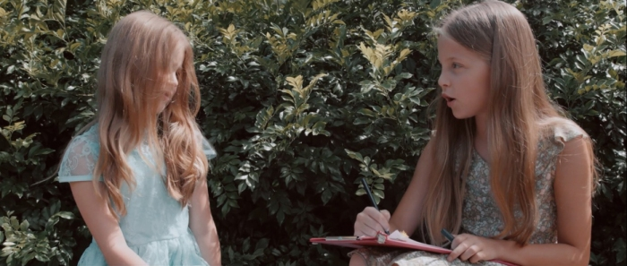 The two young girls, Pamela and Edith Keegan (played by Bridget Williams and Sage Amethyst Matchett).