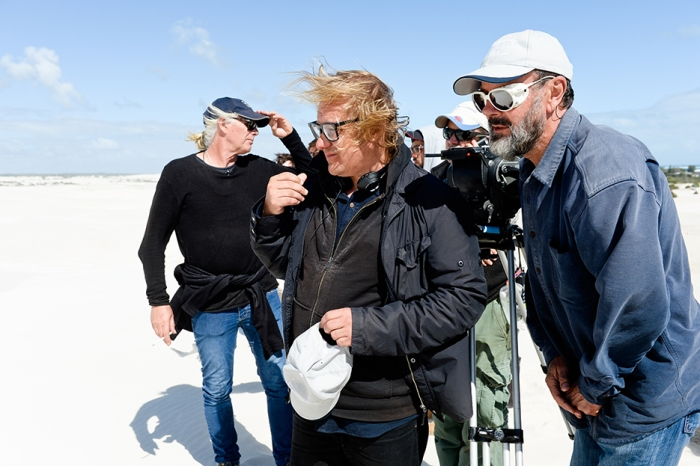 Kriv Stenders, Jamie Crooks, Geoffrey Simpson & Michael Kissane on the set of Kill Me Three Times. (Photograph by David Dare Parker.)